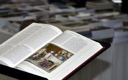bible a další knihy / -ima-